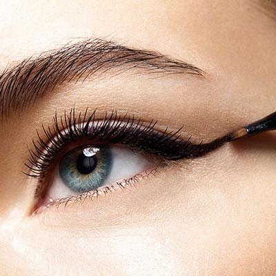 Eye liner bio